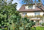 Spacious renovated house with a splendid garden, close to the town centre and the rer/sncf train st