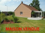 Superb bungalow with a view over the fields and nearby castle