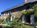Country farmhouse, 6 bedrooms, would be a  great b&b, attached barn, 2,80 hectares of land.