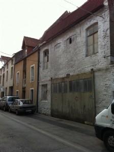 House + hangar in the center of Hesdin