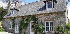 Nice stone house with adjacent detached gite
