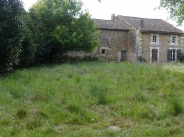 House for sale 2 bedrooms ,3656m2 land