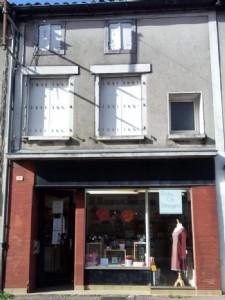 Shop Office for sale ,88m2 land ,Walk to shop