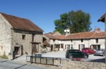 Housing complex of 5 houses, 6th for renovation, barn near magnac laval