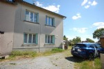 Semi detached town house on the edge of the town magnac laval