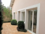 A well renovated townhouse and seperate apartment.