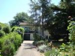 House with nice garden near to Chalais