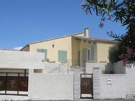 Nicely Renovated Villa With 120 M2 Of Living Space On A 587 M2 Plot With Pool And Garage.