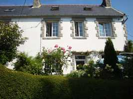 Delightful 3 bedroom, 2 bathroom cottage with longère and barn
