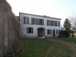 Maison de maître offering 210m² habitable with outbuilding on 4000m² o