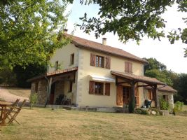 N.Dordogne - exclusive picturesque plot, 3 BRs + garage