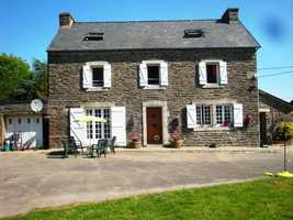 Beautifully Renovated Stone House with 5 Bedrooms, 4 Bathrooms, plus Cottage for Renovation