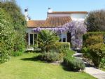 Contemporary house with pool close to Jarnac