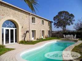 Spacious, contemporary converted Stone Barn dating from the 1850's, 550m² of living area over