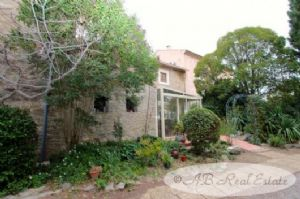 19th Century Domaine with successful B&B and Gites, private quarters, 600m², several
