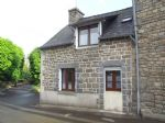 Two bedroom cottage close to Moncontour