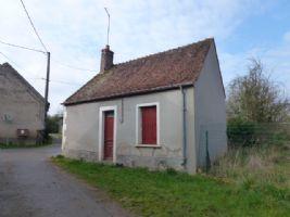 A cute renovation project! Small house with water & electricity near La Châtre.