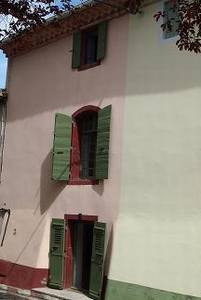 Village house fully renovated with 115 m² of living space including 3 bedrooms and 3 bathrooms.